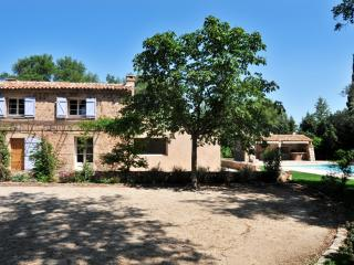 Nice Villa with Internet Access and Wireless Internet - Le Cannet-des-Maures vacation rentals