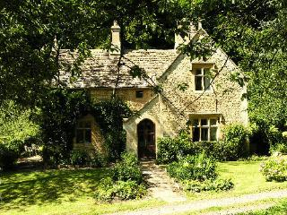 Woodwells Farm, Owlpen in the Cotswolds - Uley vacation rentals