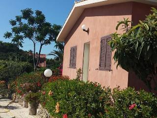 Appartamento in villa con meravigliosa vista mare - Syracuse vacation rentals
