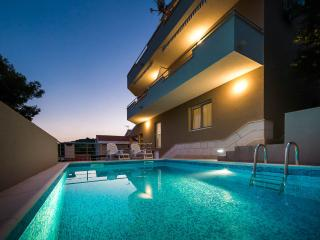 4958 A4(3) - Cove Osibova (Milna) - Cove Osibova (Milna) vacation rentals