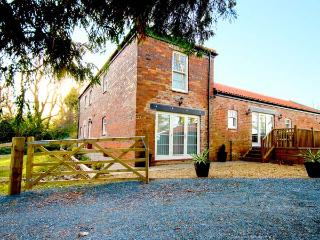 ELMWOOD COTTAGE, woodburner, WiFi, off road parking, delightful cottage near Great Ayton, Ref. 8989 - Great Ayton vacation rentals