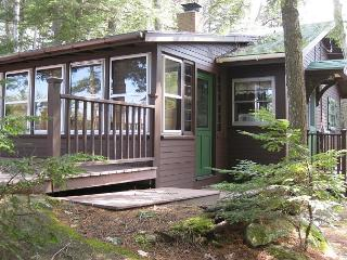 Cozy Waterfront Cottage on Lake Winn (CAS89W) - Moultonborough vacation rentals