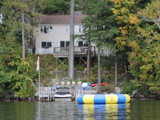 Incredible Meredith Bay Waterfront Rental with Kayaks Sleeps 6 (DAL67W) - Meredith vacation rentals