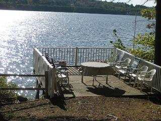 Great LOCATION on Lake Winnipesaukee Sleeps 15 (JOH14W) - Meredith vacation rentals