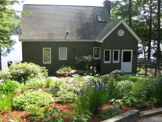 Peaceful and Charming Cottage on Lake Winnisquam (MAR62W) - Lakes Region vacation rentals