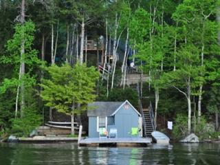 Two Bedroom Cottage Sleeps 8 on Lake Winnipesaukee (FER25W) - Wolfeboro vacation rentals