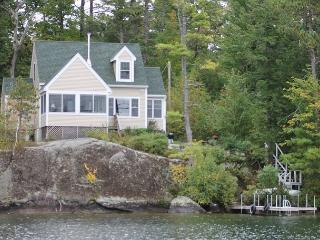 Picture Window Sunsets on Lake Winnipesaukee Sleeps 6 (WAT35Wp) - Meredith vacation rentals