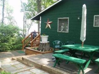 Pine Trails Quaint and Clean Waterfront sandy beach access Home (GAB4W) - Laconia vacation rentals