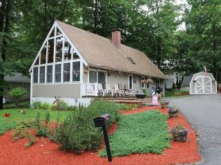 Beach Access to Winnipesaukee with Boat Dock (HAR3Bf) Sleeps 8 - Meredith vacation rentals