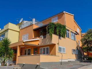 Apartments Karla - Apartment Karla 4+2 - Orebic vacation rentals