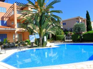 Sea view apartment with pool and garden - Paphos - Tala vacation rentals