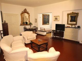 Apt Cavour in the historic center of Santa Margher - Portofino vacation rentals
