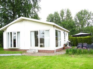 Lovely holiday home Loosdrecht lakes (Amsterdam) - Loosdrecht vacation rentals