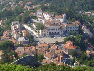 Comfortable Apartment in Sintra with Internet Access, sleeps 8 - Sintra vacation rentals