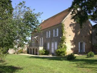 Nice Gite with Internet Access and Satellite Or Cable TV - Buxy vacation rentals
