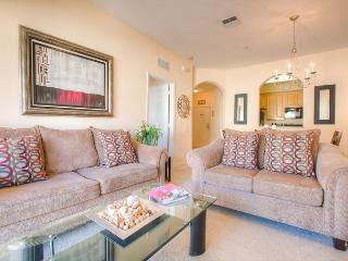 Luxury and comfort await in this 4th-floor condo with walkout balcony. - Orlando vacation rentals