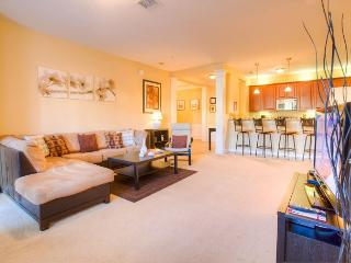 First floor modern luxury awaits in the elegant 2-bedroom Celebrity Place. - Orlando vacation rentals