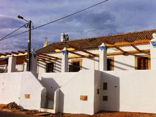 3 bedroom Townhouse with Deck in Alcantarilha - Alcantarilha vacation rentals