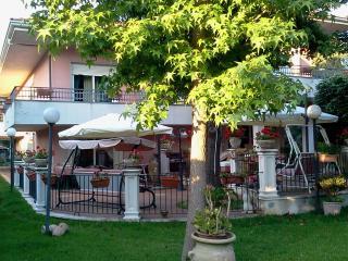 Bright 4 bedroom Valverde Villa with Deck - Valverde vacation rentals