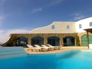Tremendous 5 Bedroom Villa in Houlakia - Houlakia vacation rentals
