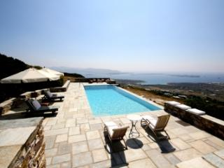 5 Bedroom Villa in Paros - Antiparos Town vacation rentals