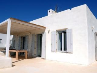 Excellent 3 Bedroom Villa in Paros - Paros vacation rentals