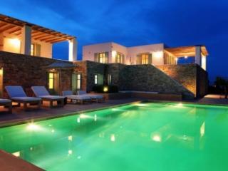 Fabulous 7 Bedroom Villa in Magganies - Cyclades vacation rentals