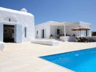 Tremendous 5 Bedroom Villa in Paros - Paros vacation rentals