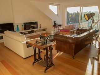Comfortable Condo with Internet Access and A/C - Lisbon vacation rentals