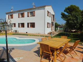 Bright 5 bedroom Province of Girona Apartment with Internet Access - Province of Girona vacation rentals