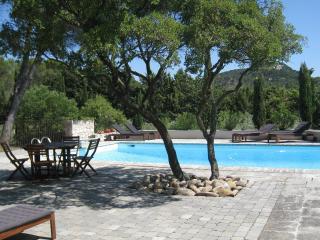Farmhouse in Ventabren, Near. Aix en Provence - Ventabren vacation rentals