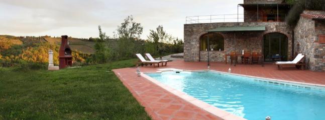 4 bedroom Villa in Gaiole in Chianti, Chianti, Tuscany, Italy : ref 2294013 - Image 1 - Gaiole in Chianti - rentals