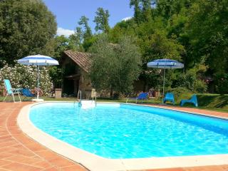 2 bedroom Villa in Volterra, San Gimignano, Volterra and surroundings, Tuscany, Italy : ref 2294082 - Montaperti vacation rentals