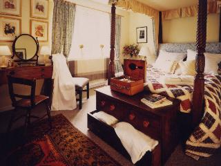 Manor Farm, Owlpen in the Cotswolds - Uley vacation rentals