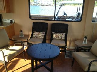 Perfect Houseboat with Deck and Housekeeping Optional - Montgomery vacation rentals