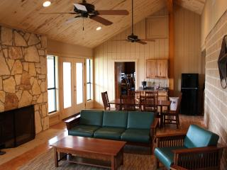 Beautiful 4 bedroom Bandera Guest house with Deck - Bandera vacation rentals
