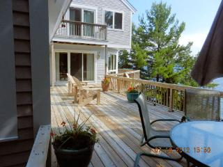 Lake Winnipesaukee- Upscale 3+-bdrm contemporary - Freedom vacation rentals