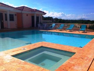 6 bedroom Villa with an ocean view, TV in all bedrooms, perfect spot for a party or BBQ by the big area around the pool!(811) - Cabarete vacation rentals