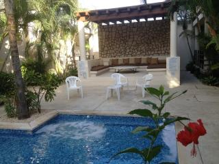 STUDIO, bathroom, balcony, swimming pool - Playa del Carmen vacation rentals