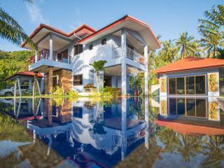 Andaman Residences - six bedroom Yanui Beach villa - Rawai vacation rentals