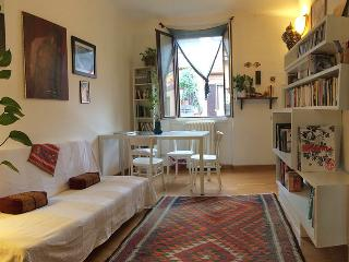 Charming & quiet in the center M3 metro - Milan vacation rentals