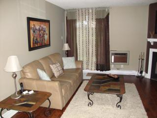 Beautiful 2 Bedroom Condo Conveniently Located - Oakville vacation rentals