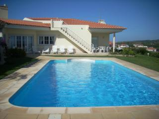 Comfortable Villa in Foz do Arelho with Hot Tub, sleeps 12 - Foz do Arelho vacation rentals