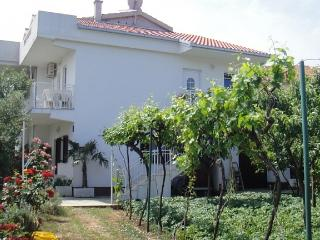 Apartments - Slavenko 2 Vinišće - Vinisce vacation rentals