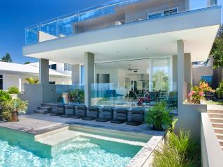 BEACH HOUSE NOOSA - Luxury Holidays - Sunshine Coast vacation rentals