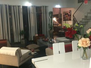 Loft 235 m2 - Puteaux vacation rentals