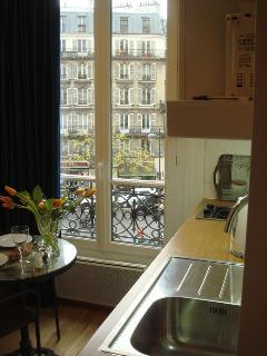 """""""Grand Ciel"""" studio for 2 - Image 1 - Paris - rentals"""