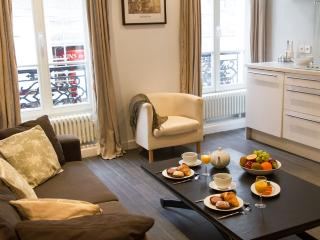 Marais Delight - Charming Hotel de Ville Studio apartment - Ile-de-France (Paris Region) vacation rentals