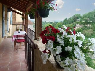 Modern apartment with terrace in South-west Dordogne - Dordogne Region vacation rentals
