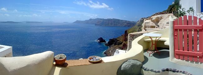 2 bedroom Cottage with Internet Access in Oia - Oia vacation rentals